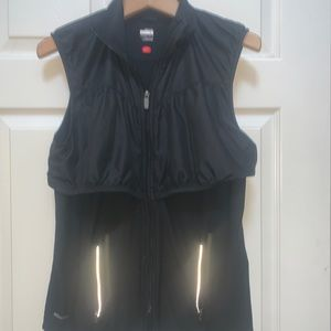 Nike DriFit L 12-14 Black Zip Up Sleeveless Vest